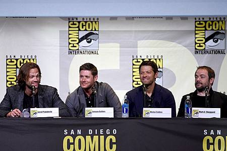 Jensen-Ackles-Jared-Padalecki-Comic-Con-2016 (4).jpg