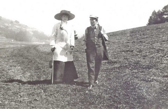 Mahler_with_wife_Alma