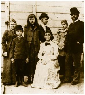 Dvorak_family_NewYork_1893