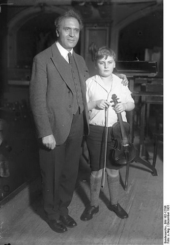 Menuhin with Bruno Walter_1931_s.jpg