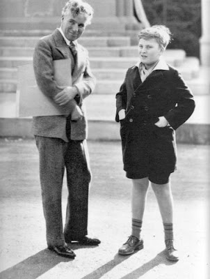 Menuhin with Charlie Chaplin_02.jpg