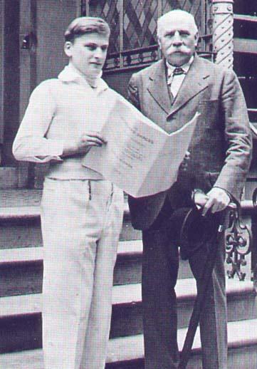 Menuhin with Sir Edward Elgar_01.jpg