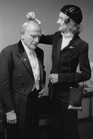 Menuhin with wife Diana_05_s.jpg