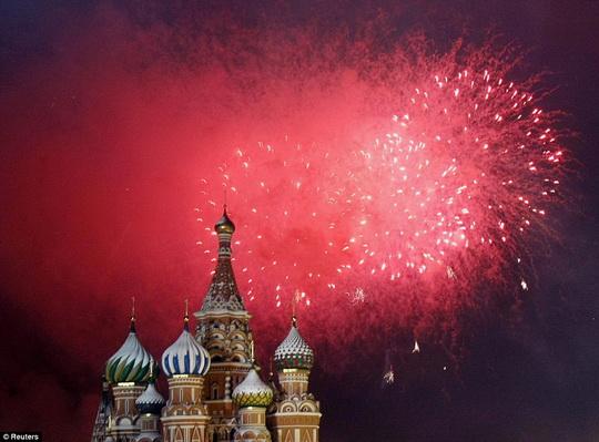 HappyNewYear2010_Moscow_a.jpg
