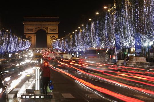 HappyNewYear2010_Paris_a.jpg