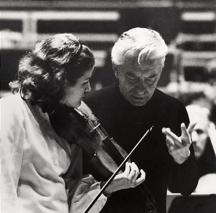 Mutter_Karajan_d.jpg