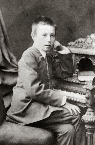 Rachmaninoff_02_10ys.jpg