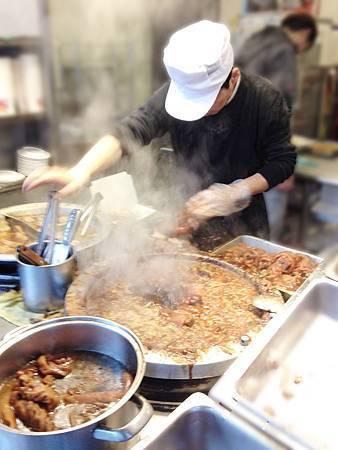 16發伯霸王豬肉飯-2.JPG