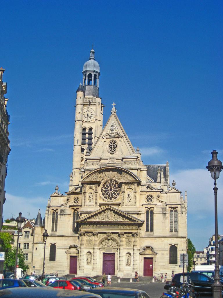巴黎萬神殿後方的Paroisse Saint Etienne du Mont 聖艾提安杜蒙教堂  結合文藝復心跟哥德風格 優雅而別緻.JPG