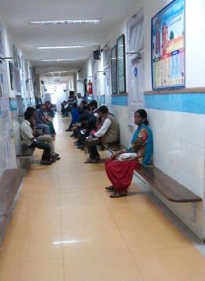 醫院病人候診情形(1)