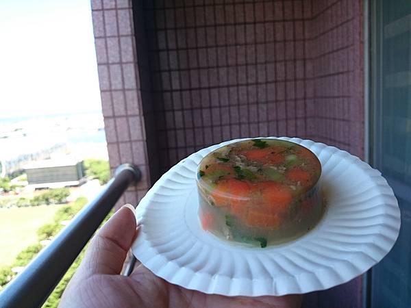 自製蔬菜牛肉凍 (1).JPG