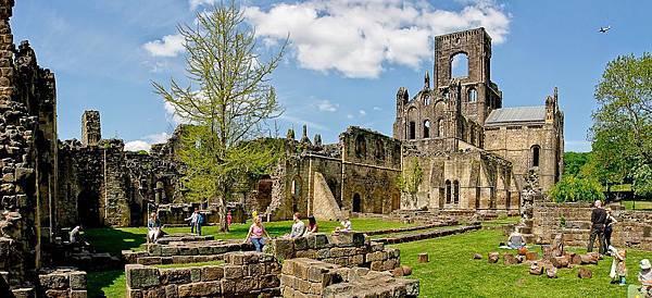 Panorama-kirkstall abbey.jpg