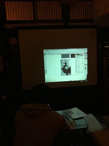 檔案或照片要調黑白色階提高對比