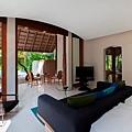 Conrad Maldive(Beach Suit Bedroom).jpg