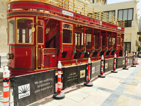 dubai trolly2.jpg
