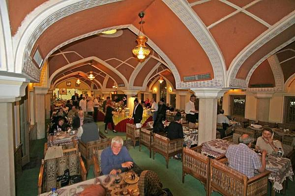 Abassi Hotel(Traditional Rest,buffet.jpg