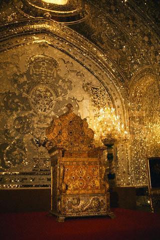 Naderi_throne(Jeweral Museum2.jpg