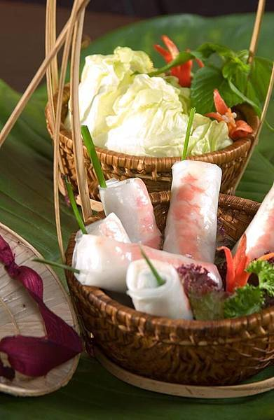 Hoi An( Fresh spring rolls with shrimp and pork.jpg