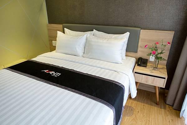 AVANTI-HOTEL(SUPERIOR-DOUBLE-11.jpg