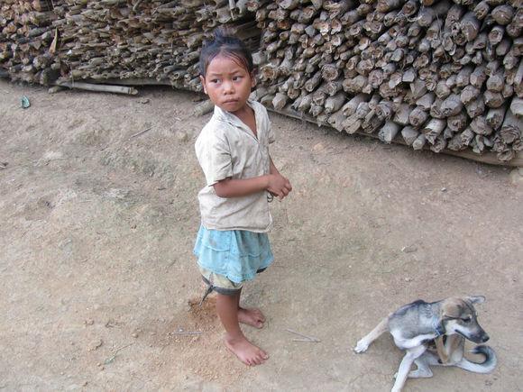 老挝寨子4.jpg