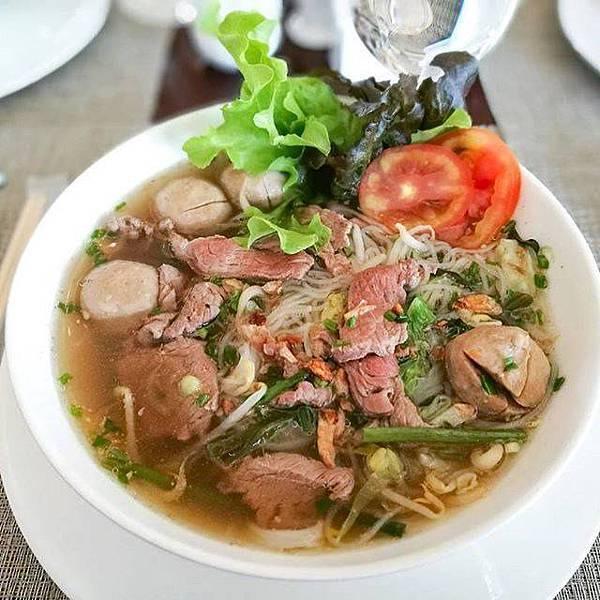 Landmark Mekong Riverside Hotel(VTE,breakfast noodle soup.jpg