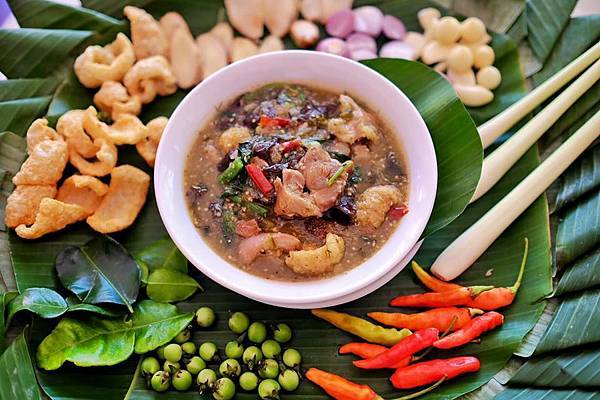 Tamnak Lao Restaurant(VTE,DINNER SHOW REST2.jpg