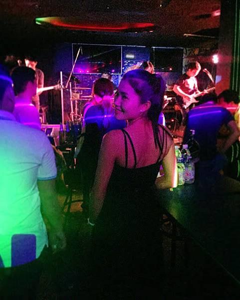 galaxy live music vientiane.jpg