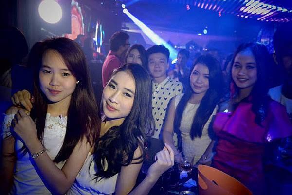 sexy lao girls vientiane.jpg