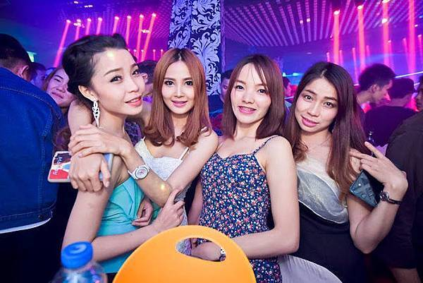 hot girls nightlife lao vientiane.jpg
