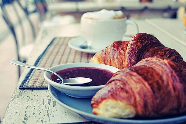 Le Banneton Café French Bakery - Vientiane1.jpg