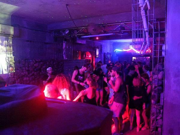 room 101 club(vang vieng4.jpg