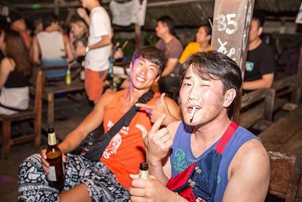 Sakura Bar(Vang Vieng4.jpg