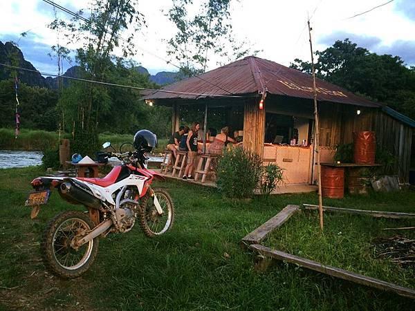 isalnd Bar(Vang Vieng2.jpg
