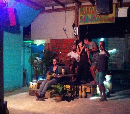 lalaland bar(VIENG VANG3.jpg