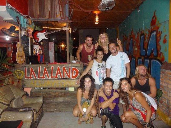 lalaland bar(VIENG VANG2.jpg
