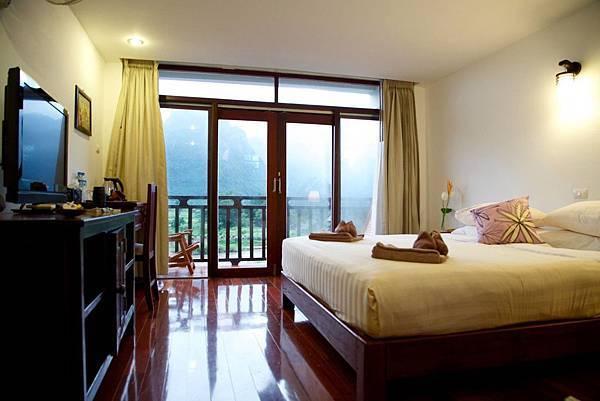 Silver Naga Hotel(Vang Vieng;bed3.jpg