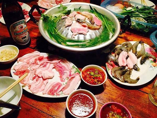 Peeping Som's Bar and Korea Restaurant(Vang Vieng11.jpg