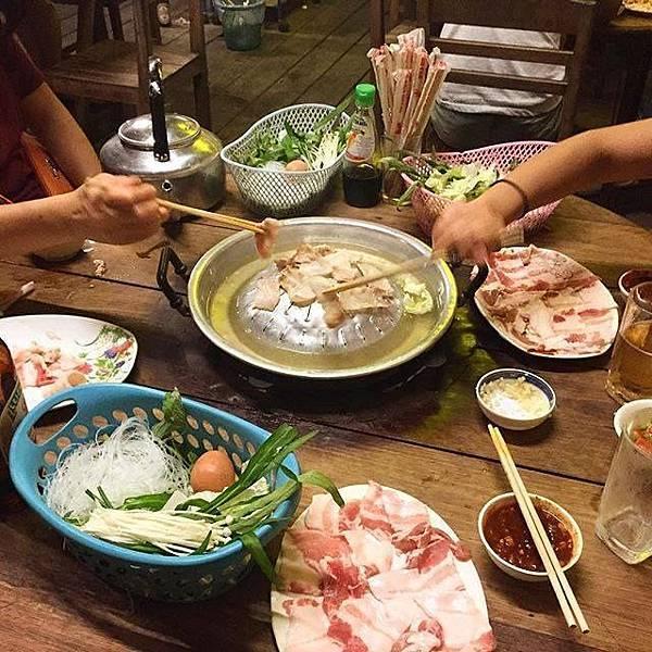 Peeping Som's Bar and Korea Restaurant(Vang Vieng8.jpg