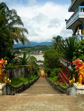 Shampoo Cruise(LPQ,Houay Xay (lao thai boder town.jpg