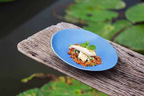 Manda de Laos REST(LPQ3Crispy Mekong Fish Salad.jpg