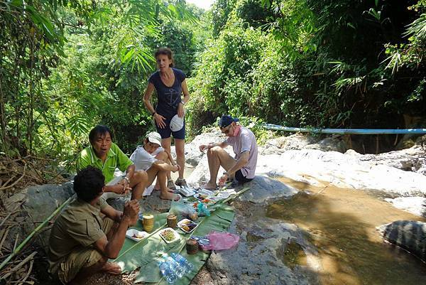 Kamu Lodge (LPQ;PICKNICK LUNCH