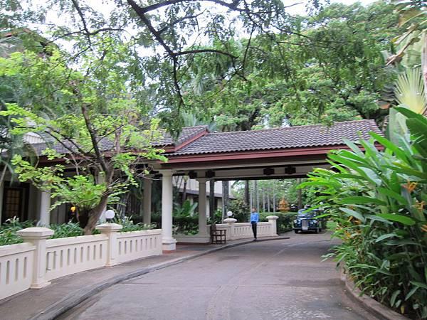 Settha Palace (1).JPG