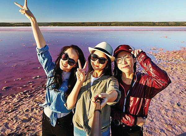 Pink lake(2.jpg