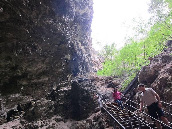 18 WA(winery &cave) (15).JPG
