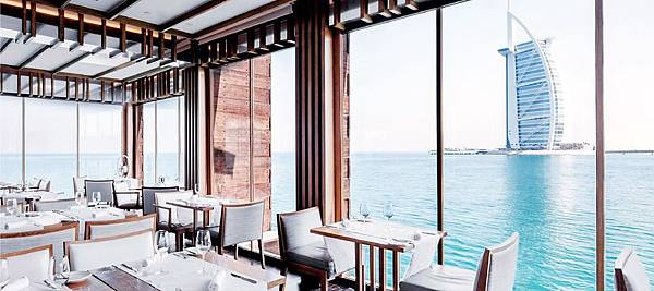 Madinat-jumeirah(restaurants-pierchic-seafood6.jpg