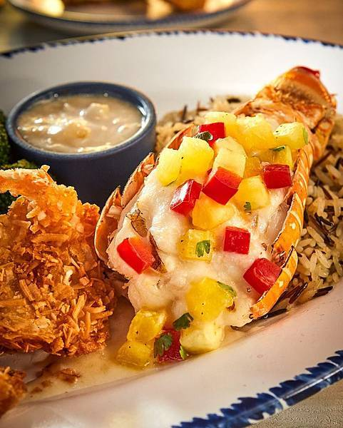 Red Lobster Dubai Mall(pineapple salsa and coconut!.jpg