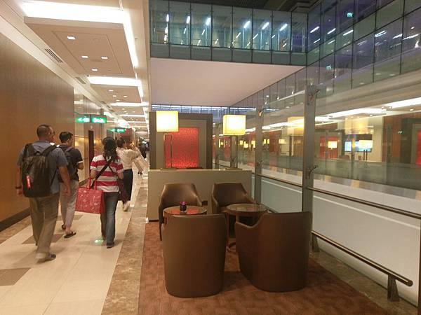 杜拜機場(4樓商務區 (1).jpg