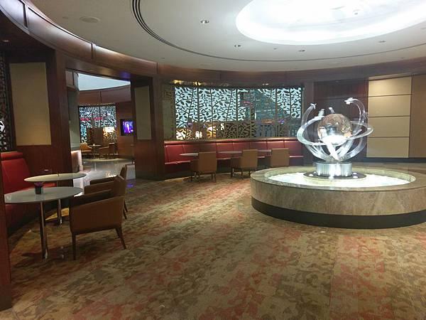 杜拜機場(4樓商務區 (2).jpg