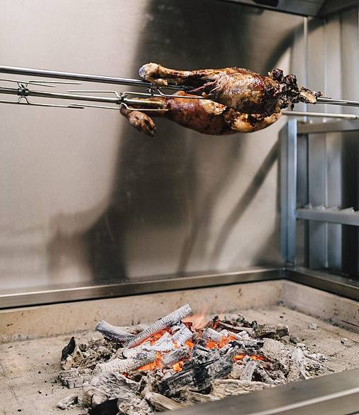 Amano rest(Auckland;chicken is  organic and free-range from Ben Bostock in Hawke's Bay.jpg