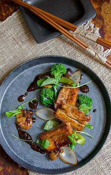 DRAGONFLY REST(WLGpork belly dish..jpg